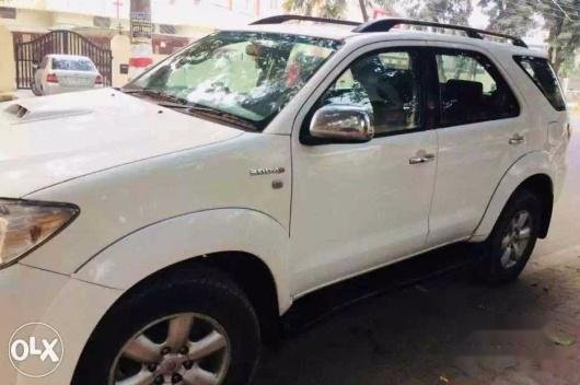 Used 2010 Toyota Fortuner for sale in Lucknow 10183