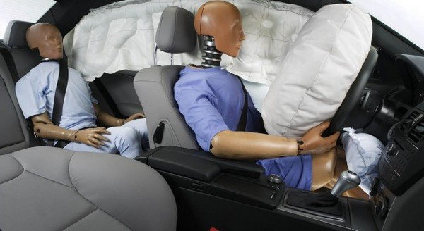safety feature air bags in car