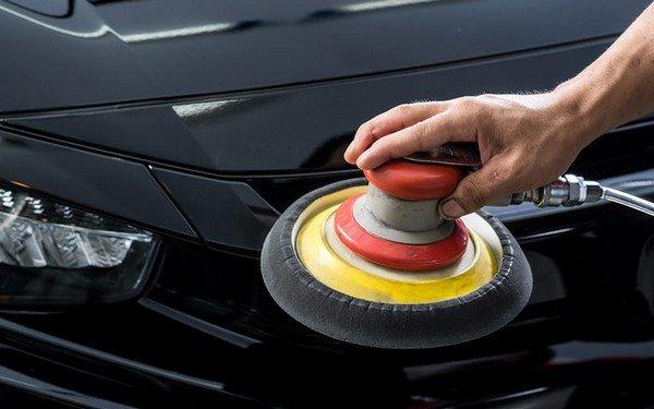 car polish with wheeler