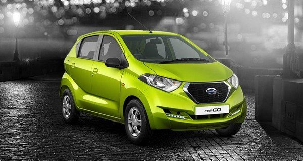 Datsun redi-GO 2018 green front and side look