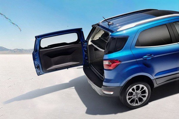 Ford Ecosport 2018 with open tailgate