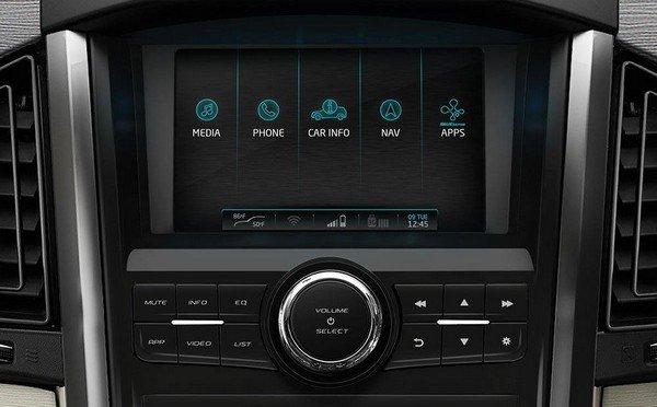 Mahindra XUV500 infotainment system