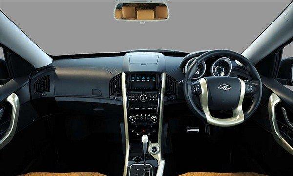Mahindra XUV500 2018 dashboard interior