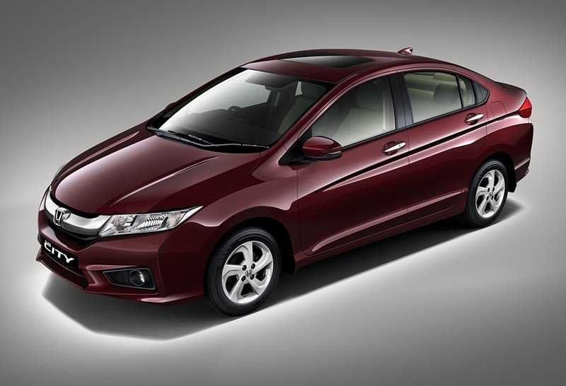 Honda City 2018 Exterior red colour on road front look