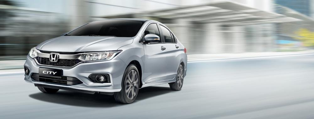 Honda City 2018 Exterior silver colour on road front look