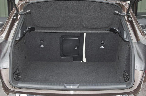 Chocolate brown Mercedes-Benz GLA 2018's boot space, boot lid being open