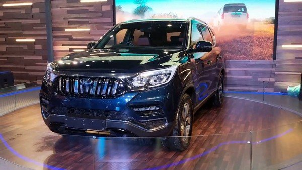 Mahindra XUV700 in showroom front view