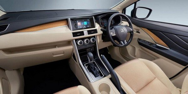 Mitsubishi Xpander interior dashboard