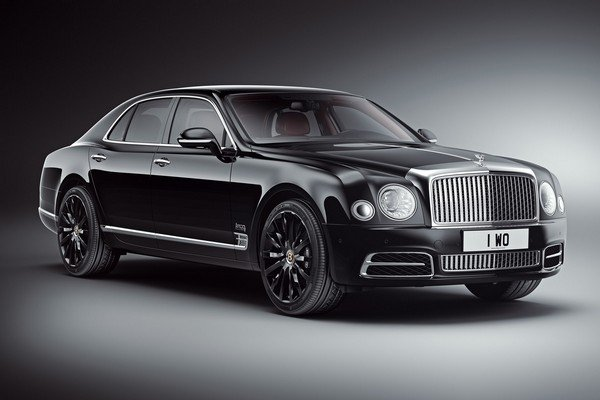 Bentley Mulsanne black color angle view