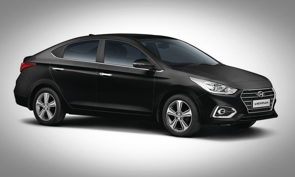 Hyundai Verna black color angle view