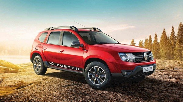 Renault Duster red color angle look outdoor background