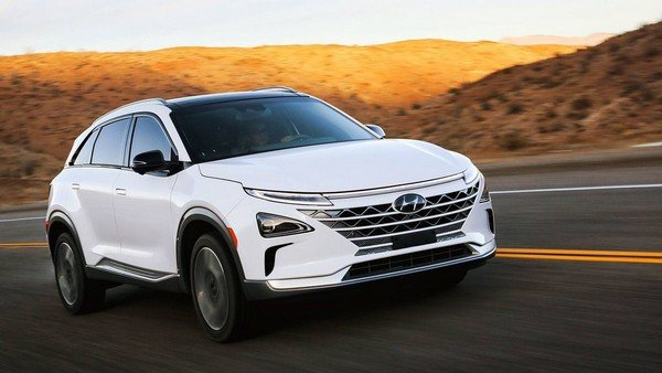 Hyundai Nexo Fuel Cell SUV white color from back to front