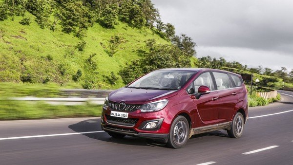 Mahindra Marazzo on road red color