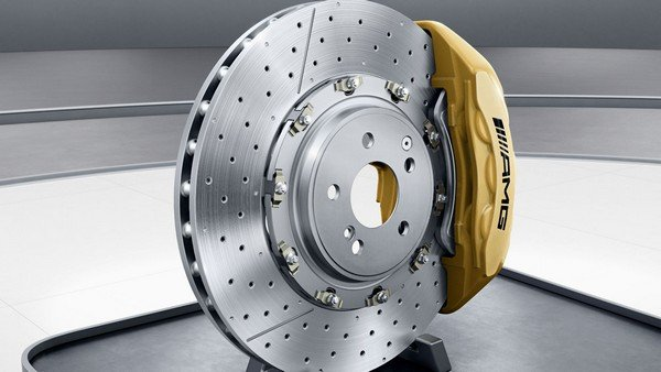 A brand new, well-condition car brake