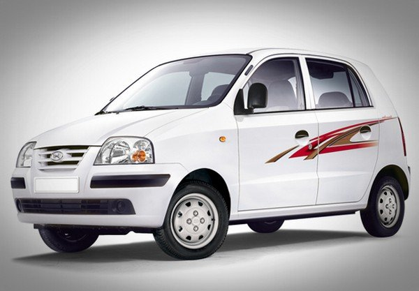 Old Hyundai Santro white color front angle look