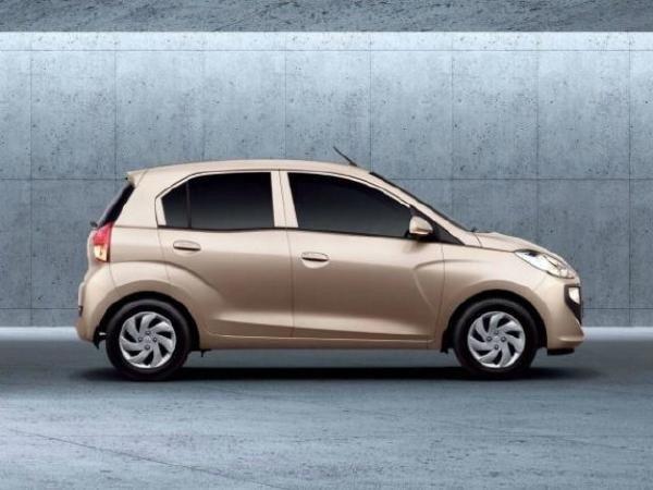Hyundai Santro 2018 side look