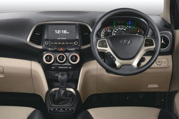 2018 Hyundai Santro interior dashboard