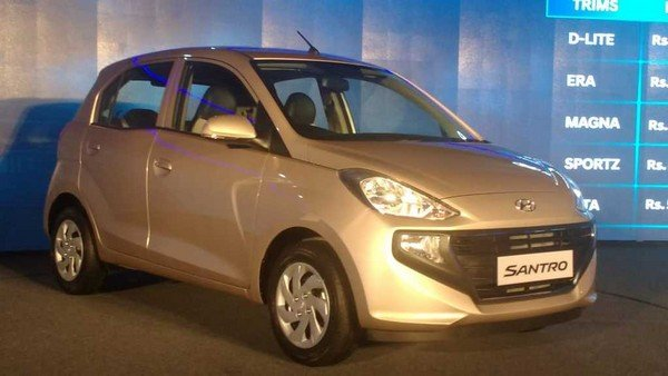 The 2018 Hyundai Santro exterior from back to front