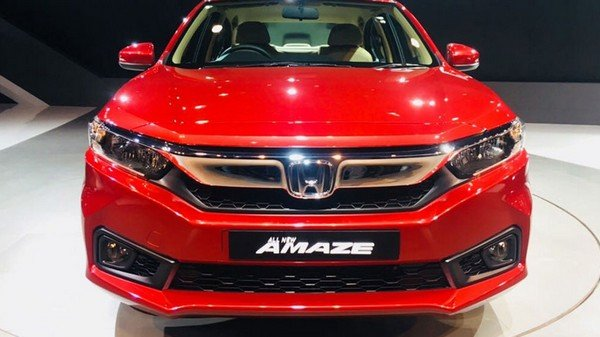 The 2018 Honda Amaze, red colour, front angular look