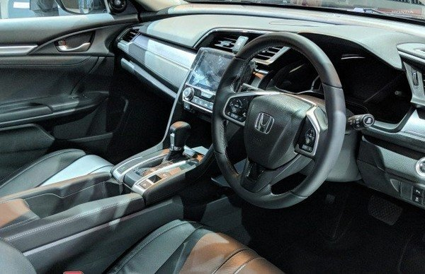 2019 Honda Civic dashboard