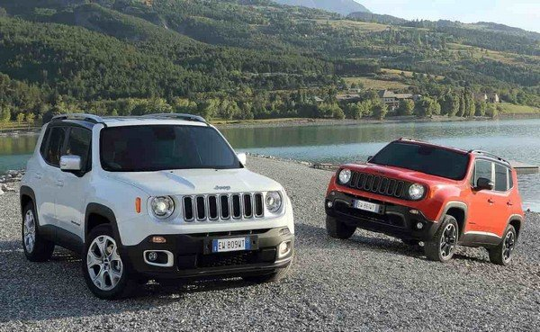 2019 Jeep Renegade two cars