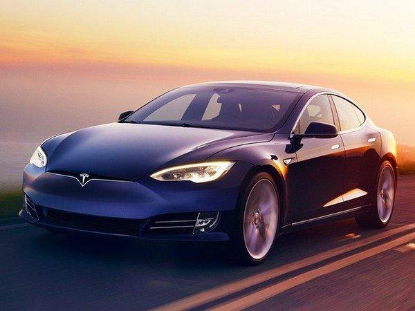 Tesla model S, front angular look
