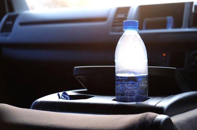water-bottle-inside-car