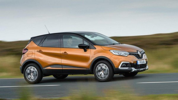 2019 Renault Captur on road