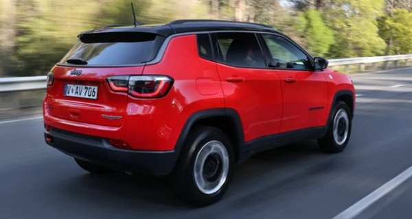 Jeep Compass Trailhawk running