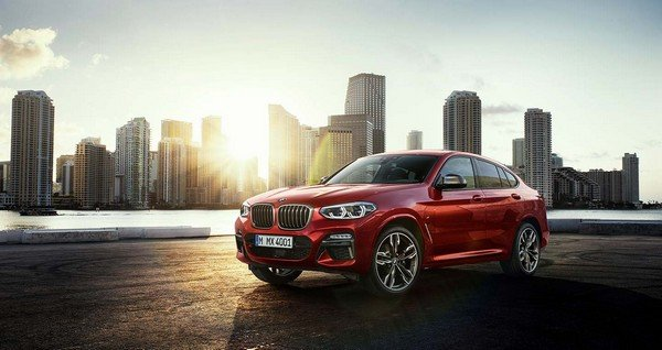 2019 BMW X4, red colour, front left side