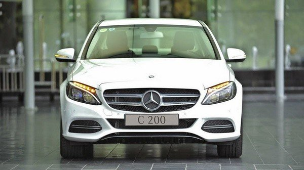 white Mercedes C200 front view