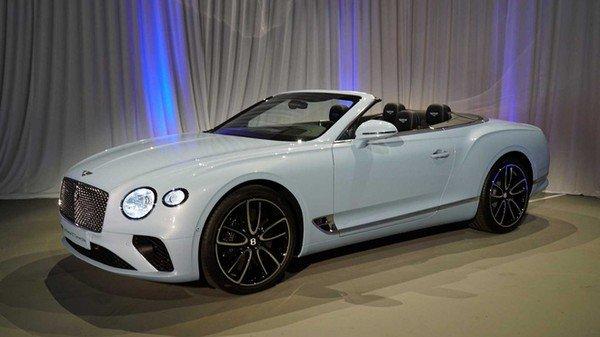 2019 Bentley GT Convertible, White Colour