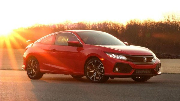 2019 Honda Civic, Red colour, right side