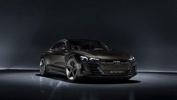 Audi E-Tron Concept front look