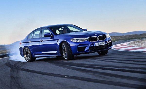 BMW M5, blue colour, front right side
