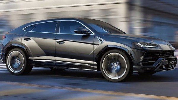 Lamborghini Urus, Black, Right Angular Look