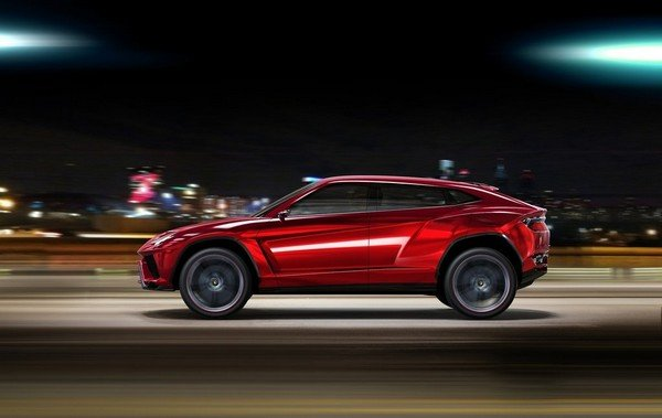 Lamborghini Urus, Red, Left angular look