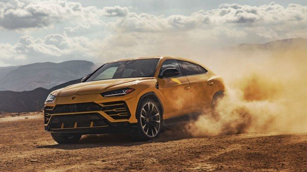 Lamborghini Urus, Yellow colour, front left side