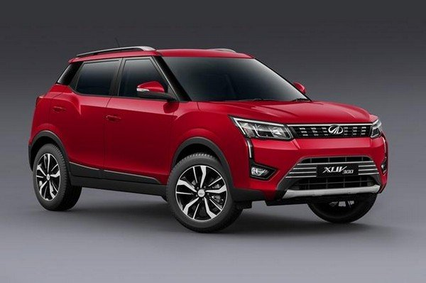 Mahindra XUV300 2019 front view red color