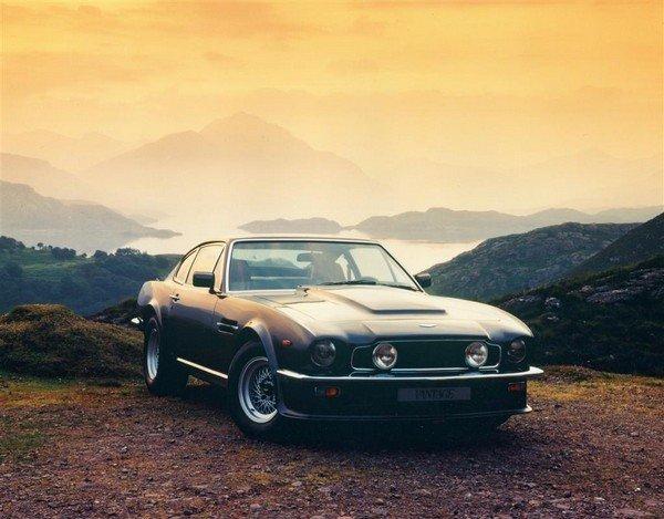 Aston Martin V8 Vantage Volante, front angular look