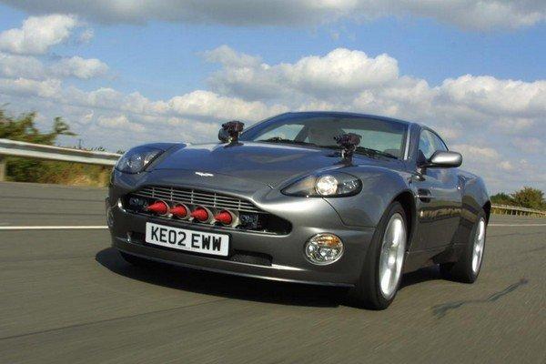Aston Martin Vanquish, silver