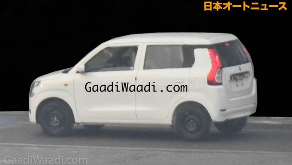 Maruti Suzuki WagonR, Left angular look