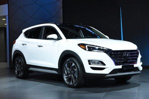 2019 Hyundai Tucson white color angle look