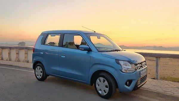 2019 Maruti Wagon R blue side profile