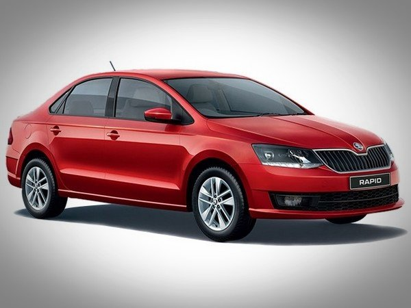 Skoda Rapid red color from left to right