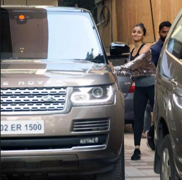 [Celebrity Cars] Luxury Cars Owned By Young Bollywood