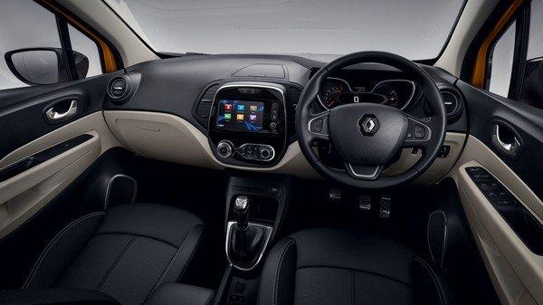 Renault Captur 2017 interior dashboard