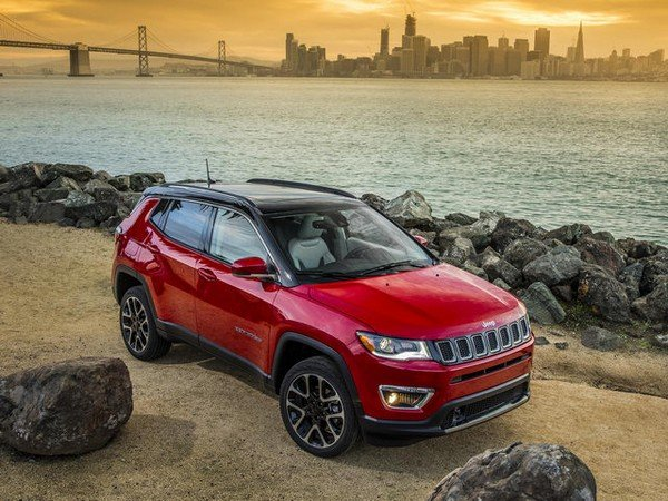 Jeep compass red color from left to right