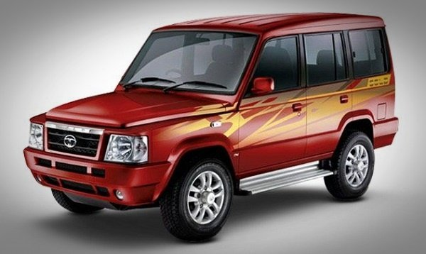 Tata Sumo red front left view