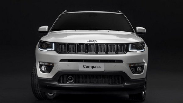 The Jeep Compass S direct front look
